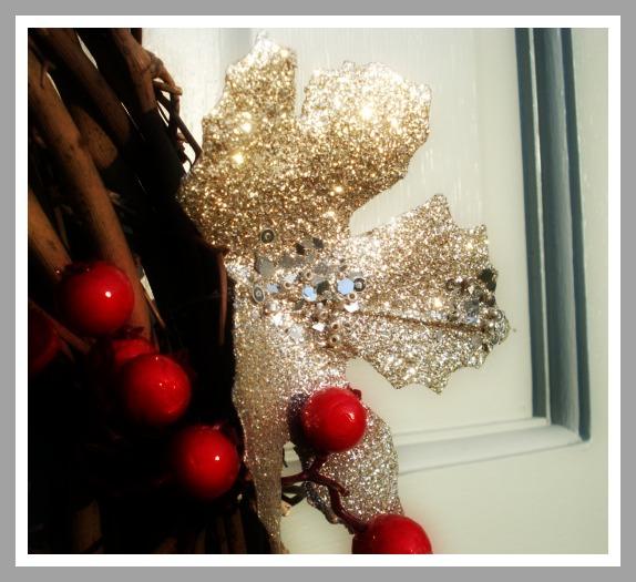 Glitter leaves on wreath