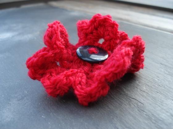 crochet poppy 1