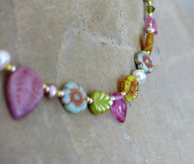 nina parker spring necklace 90kB