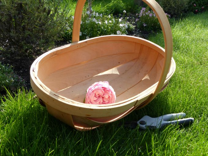 trug with rose