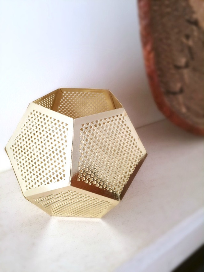 Gold tealight