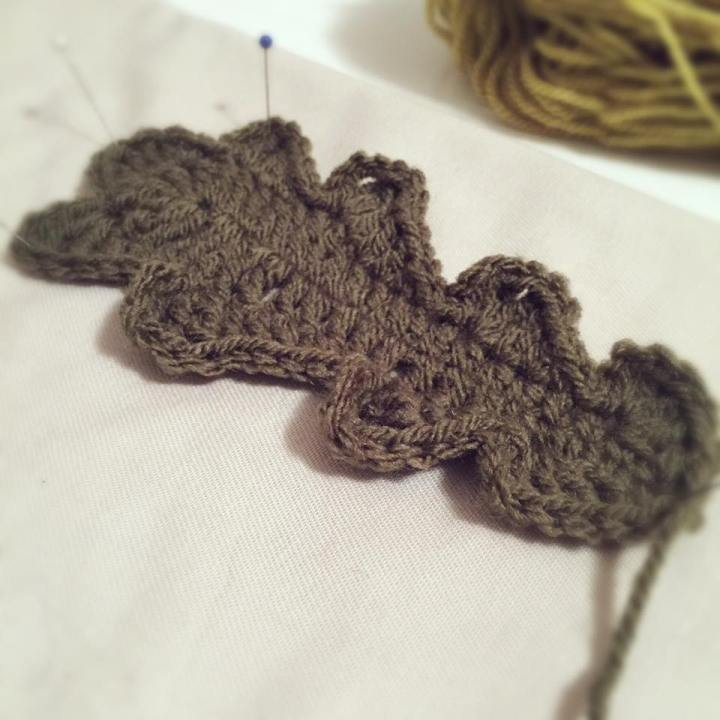 crochet oak-leaf